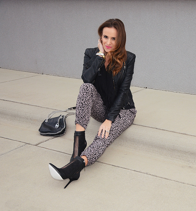 Maternity Chic: The Jogger Pant